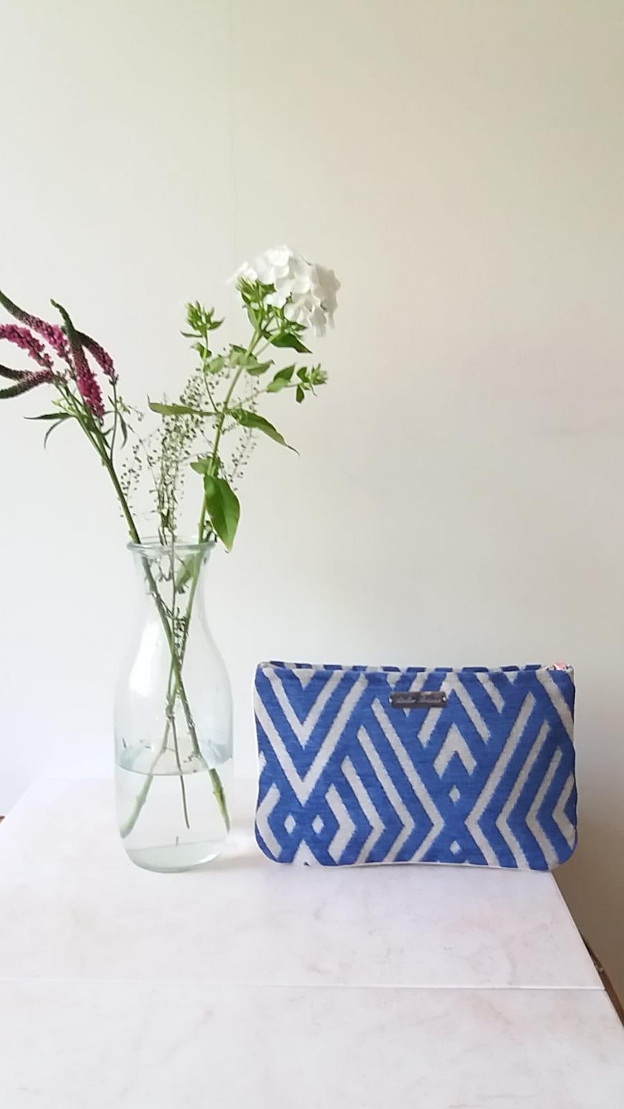 Cartera Azul Klein - Colección Geomatrías